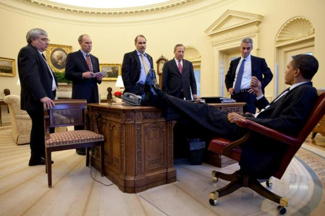 obama_desk