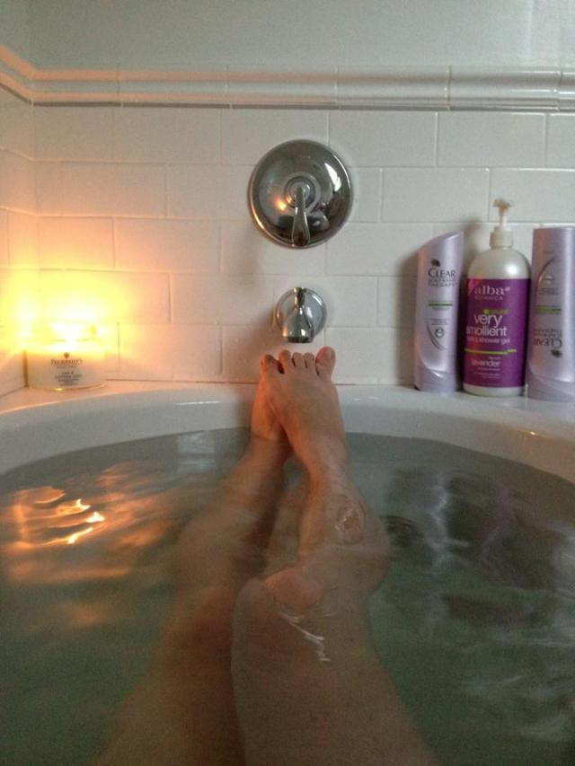 muffy_bathtub_2013